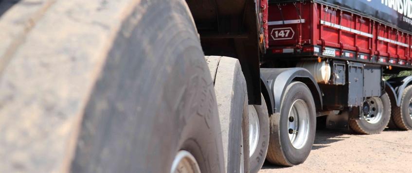 8 dicas para aumentar a durabilidade dos pneus do caminhão